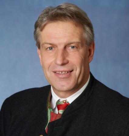 Bernhard Hainz</br></br>1. Bürgermeister in Gstadt am Chiemsee </br></br> 1.222Einwohner
